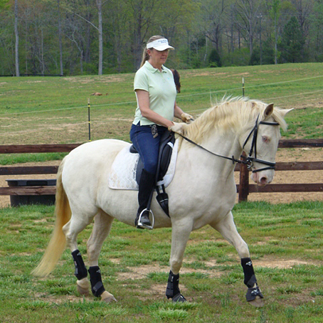 DEM Te Te Va cream colored Lusitano breeding mare